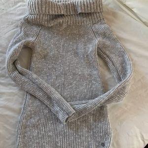 Hollister women's sweater